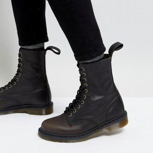 Dr. Martens Lace Up Boot Women's Size 10